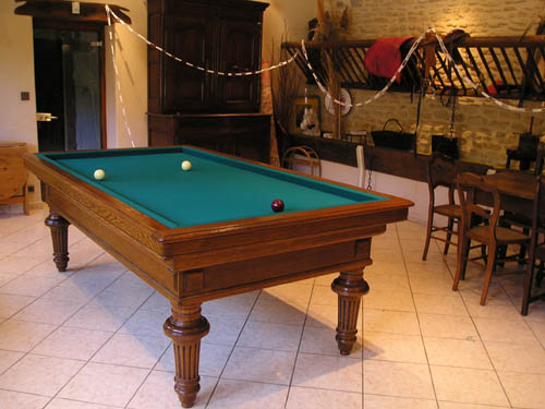 Billard ancien Brunswick Finition RIVET