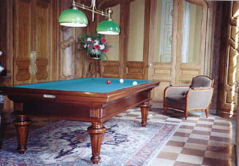 « Louis XVI Tradition » bel intérieur boisé