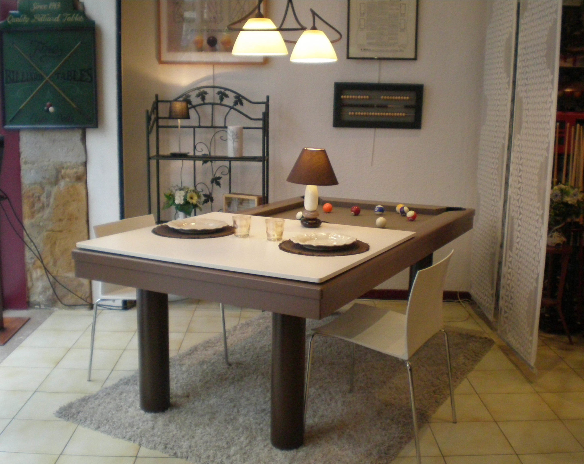 « Le Seventies » table 5 240 €